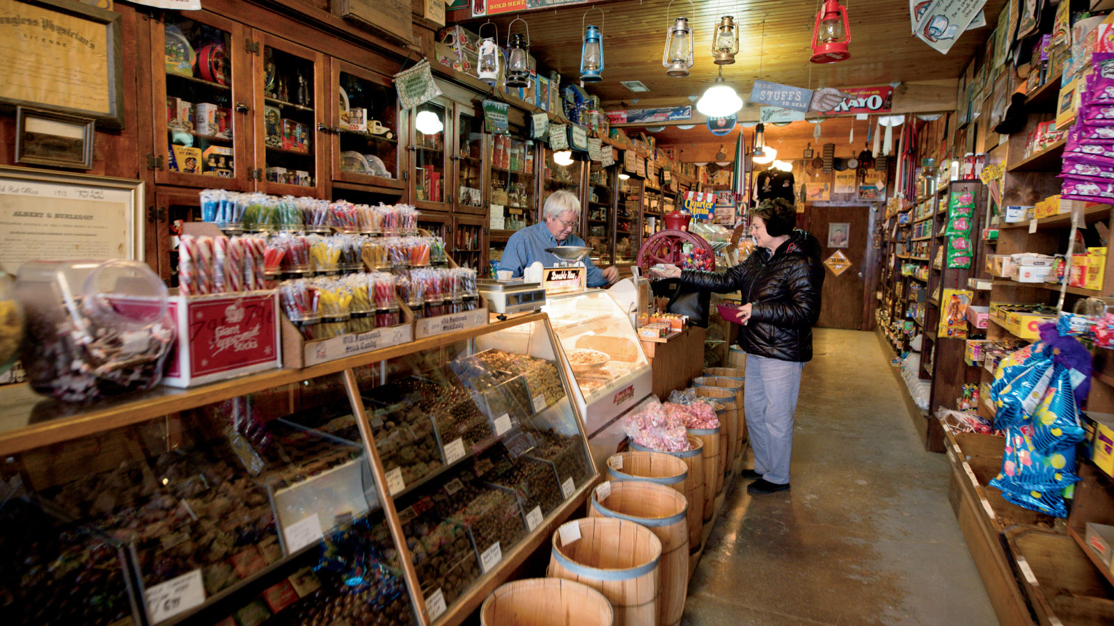 Tom and Kristin Sewell are the owners of Candy & Stuff in Farmland, Indiana