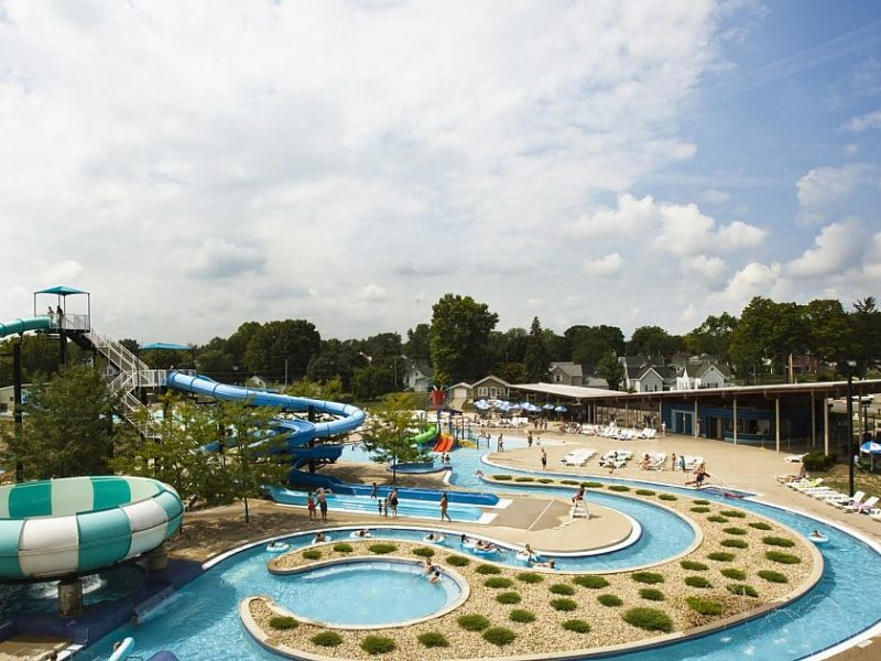 Water slides and pools at Marion Splash House in Indiana